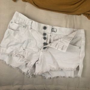Free People off-white Jean Shorts Size 25.